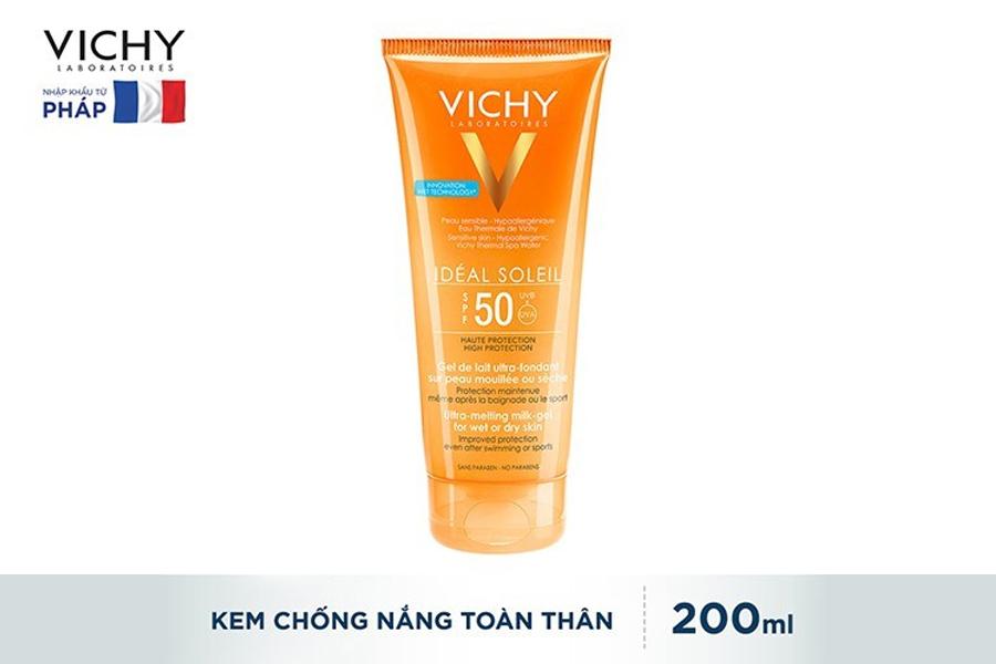 Vichy SPF 50 PA+++ Ideal Soleil Ultra-Melting Milk Gel là sản phẩm không thể thiếu để chuyến du lịch thêm trọn vẹn